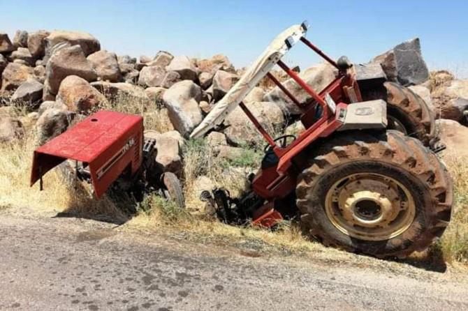 Viranşehir'de kaza yapan traktör ikiye bölündü
