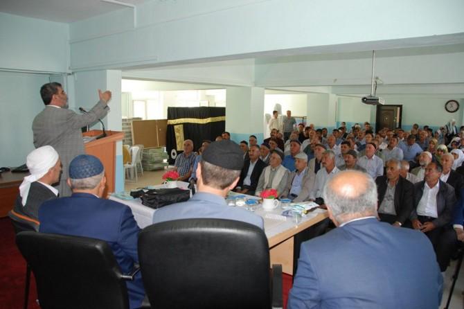 Bitlis'te hacı adaylarına seminer verildi