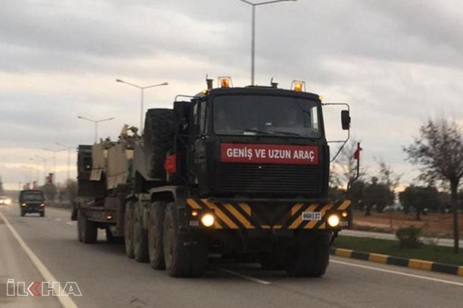 Military shipment from Turkey to Syrian border