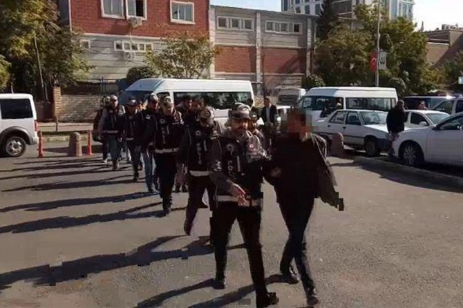 Şanlıurfa merkezli 7 ilde FETÖ operasyonu: 14 gözaltı