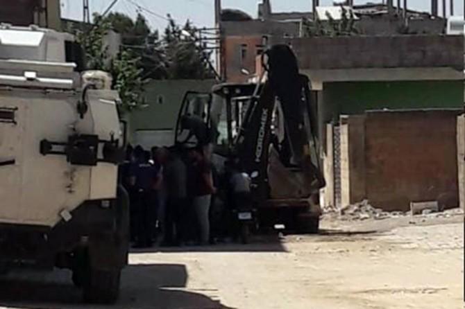 Viranşehir'de mahalleli ile DEDAŞ ekipleri arasında gerginlik