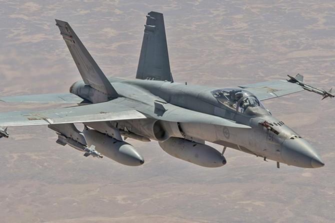Hafter'in uçakları göçmenleri vurdu