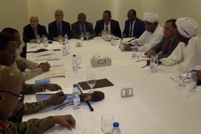 Sudan'da cunta ve muhalefetten müzakerelere devam