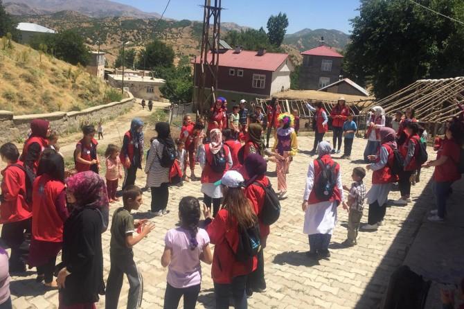 Türkiye'nin farklı illerinden gelip Bitlis'in tarihini ve doğasını gezdiler