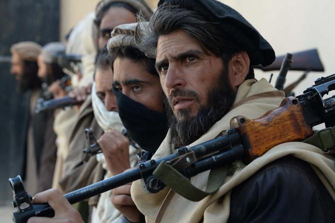 Taliban 40 kişinin öldüğü cami saldırısını kınadı