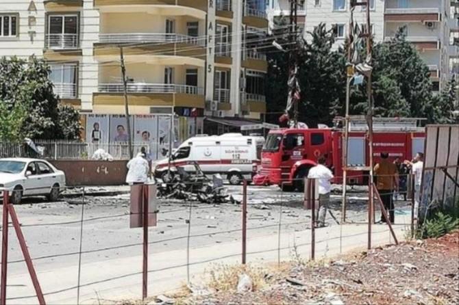 Reyhanlı'daki otomobil patlamasına ilişkin 3 kişi tutuklandı