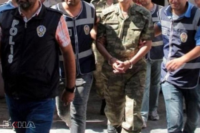 Detention order against 176 active soldiers in Istanbul