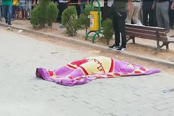 Kızıltepe'de beton mikserinin çarptığı kadın hayatını kaybetti