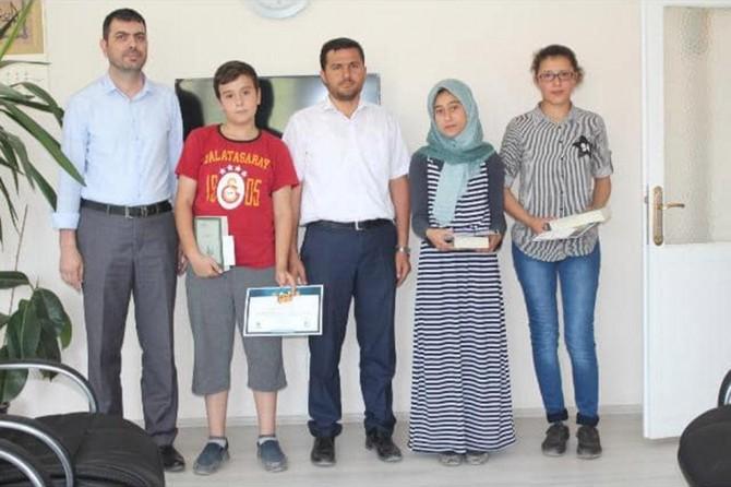 Serinhisar'da Siyer-i Nebi yarışmasında dereceye giren öğrenciler ödüllendirildi