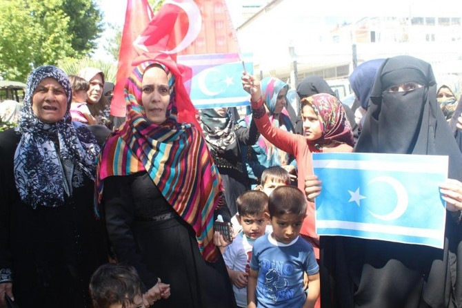 Kerkük Türkmenlerinin sınır dışı edilecek olmalarına tepki