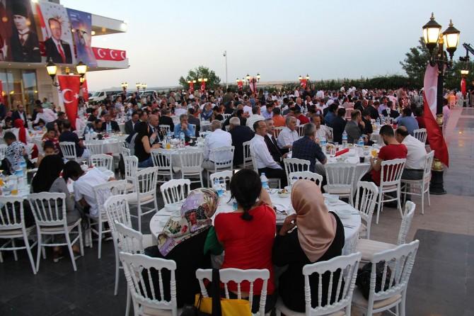 Diyarbakır'da Şehit ve Gazi aileleri akşam yemeğinde bir araya geldi