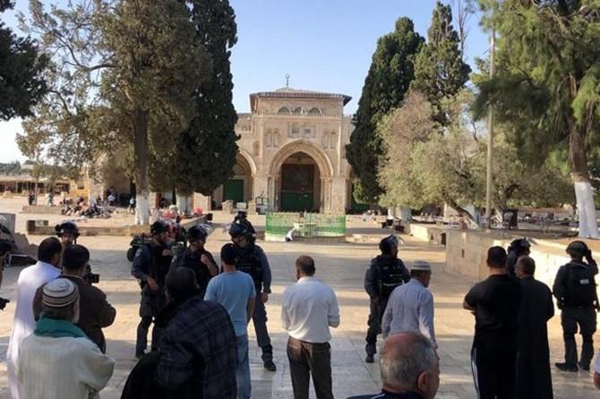 Siyonîstên terorîst di ser Mescîda Eqsayê de girtin