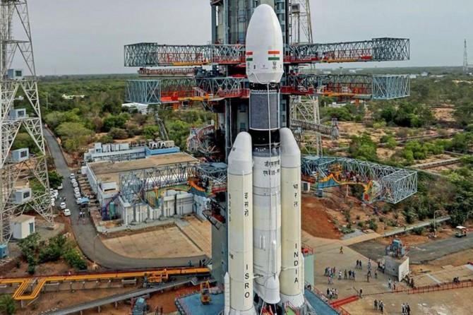 Hindistan Ay'a yolculuğu erteledi