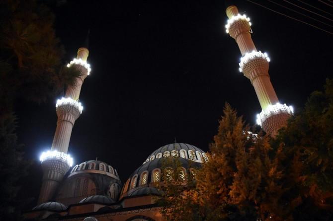 Bu gece tüm Türkiye'de salâ sesi yankılanacak