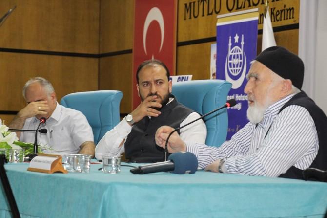 """""""İslam İdrakinde Süreklilik, Derinlik ve Yenilik"""" paneli düzenlendi"""