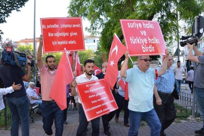 Suriyelilerden 15 Temmuz yürüyüşü