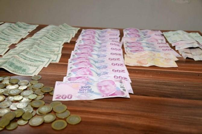 Dilencinin üzerinden yaklaşık 35 bin lira çıktı