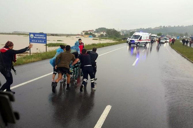 Sel nedeniyle mahsur kalan 174 kişi tahliye edildi