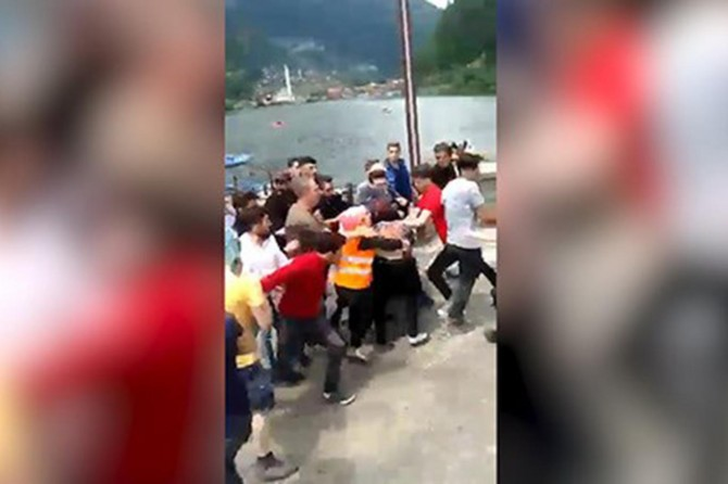 Kürdistanlı turistlere ırkçı saldırıya tepkiler