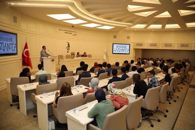 Gaziantep'te YKS'de başarılı öğrenciler ödüllendirildi