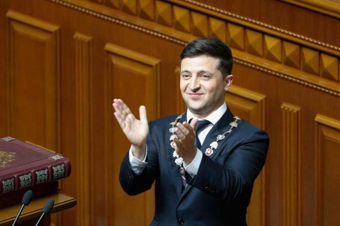Ukrayna'daki erken genel seçiminde Zelenskiy'in partisi birinci