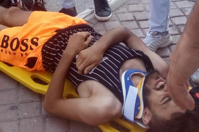 Antalya'da araç motosiklete çarptı: 1 yaralı