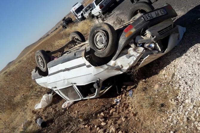 Akçakale'de otomobil takla attı: 1 ölü 3 yaralı