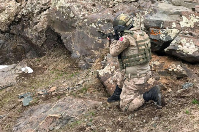 Ağrı Tendürek Dağı'nda turuncu listedeki PKK'li öldürüldü