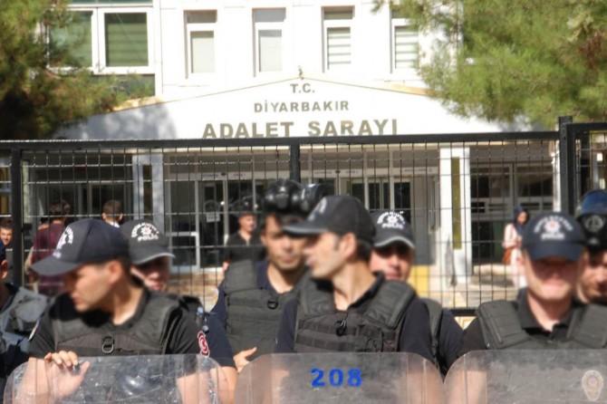 Diyarbakır'da EYP ile saldırıda 4 tutuklama