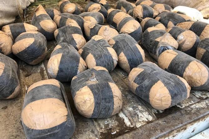 Van'da yün çuvalları içerisine gizlenmiş eroin ele geçirildi