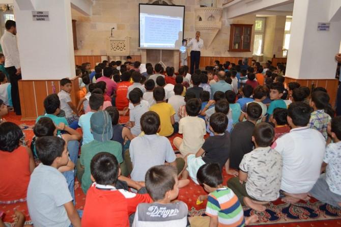 Kur'an kursu öğrencilerine eğitim semineri verildi
