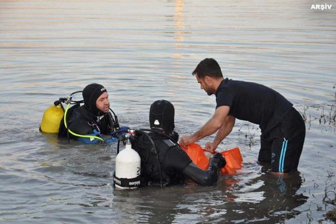 Malazgirt'te nehre giren 3 öğrenci boğuldu, 1 kişi de kayıp