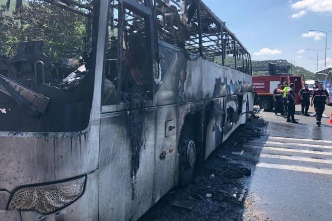 Balıkesir'de yolcu otobüsü yangınıyla ilgili 2 şoför tutuklandı