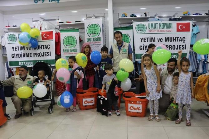 Hope Caravan dresses dozens of orphans in Istanbul