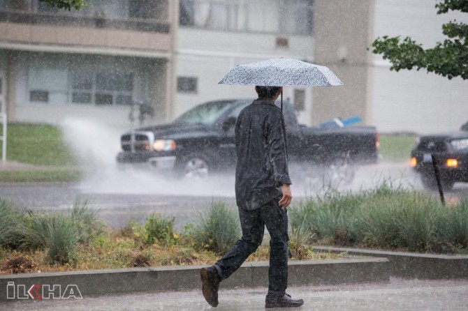 Meteorology warns for strong rainfall and wind