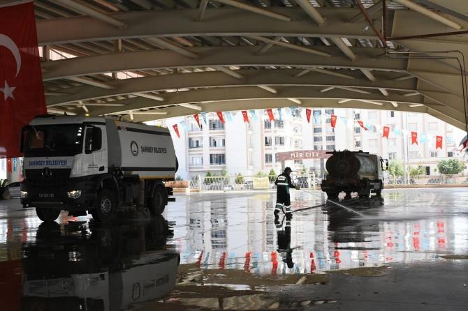 Gaziantep'te kurban kesim yerleri temizleniyor