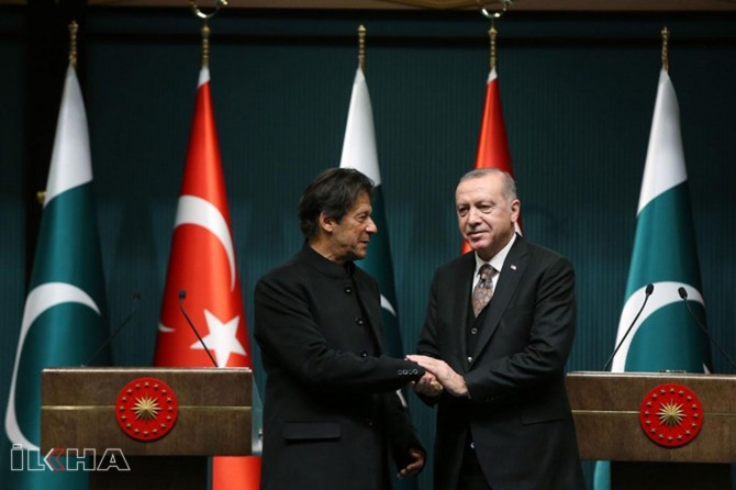 Erdoğan, Imran Khan discuss Jammu Kashmir