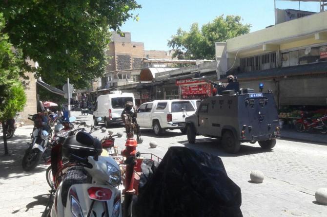 Şanlıurfa Haşimiye Meydanında üzerinde bomba düzeneği taşıyan 1 kişi yakalandı