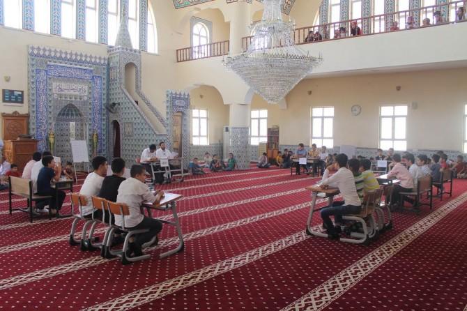 Camiler arası bilgi yarışması düzenlendi