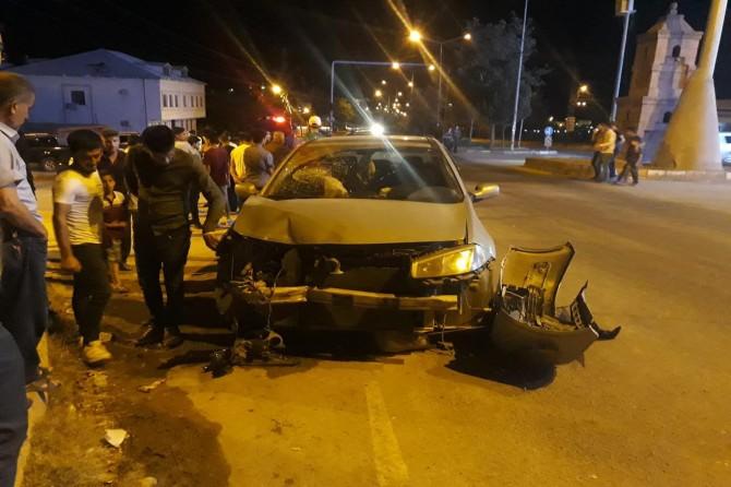 Çınar'da iki araç çarpıştı: 1 yaralı