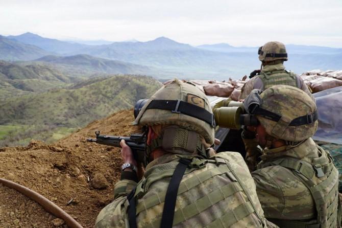 Afrin'de 2 asker yaralandı