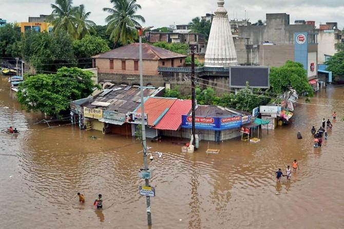 Li Hindistanê lehî: Nêzî 150 kes mirin