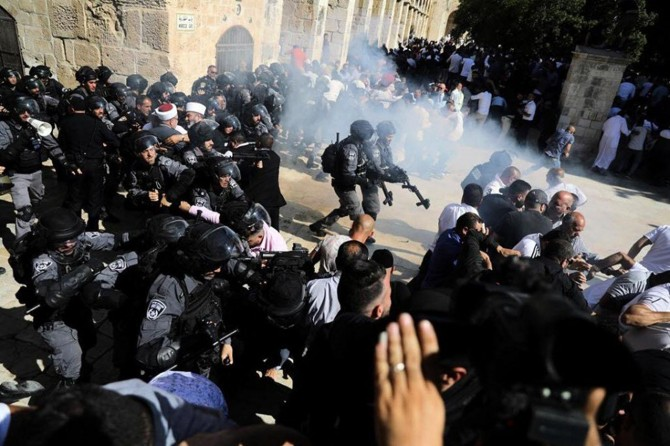 Occupying zionist attack Palestinians on Eid al-Adha