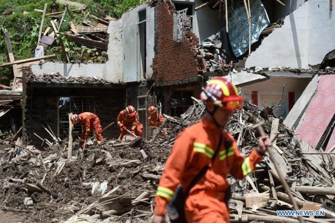 Lekima Tayfunu'nda ölenlerin sayısı 49'a yükseldi