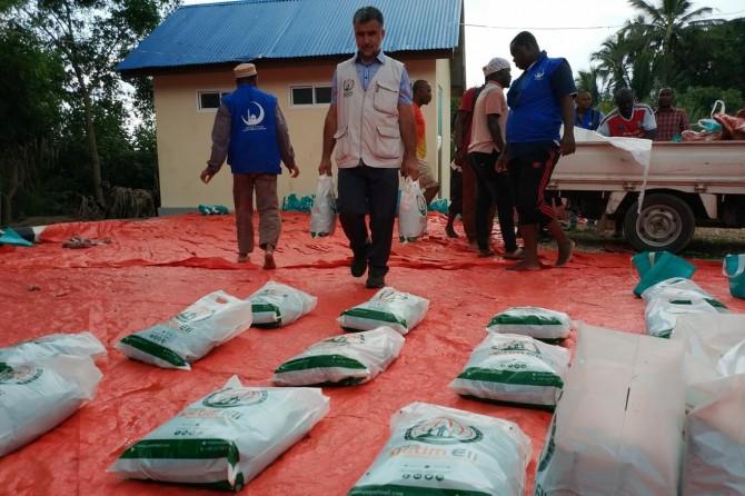 Avrupa Yetim Eli ve IHO-EBRAR Tanzanya'da kurban eti dağıttı