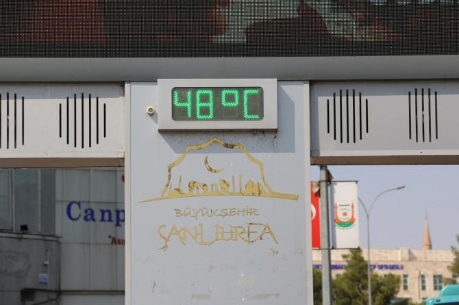 Şanlıurfa'da termometreler 48 dereceyi gösterdi
