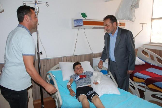 HÜDA PAR Bitlis İl Başkanlığı hastaları ziyaret ederek bayramlarını kutladı