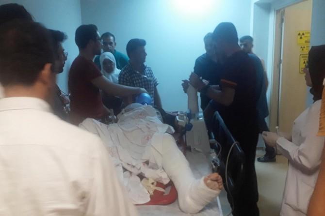 Siirt'te otomobil ile motosiklet çarpıştı: 1'i ağır 2 yaralı