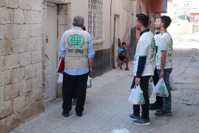Umut Kervanından Kızıltepe'de kurban eti dağıtımı