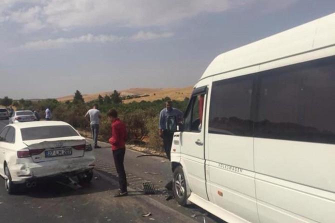Gaziantep'te trafik kazaları: 2 ölü 13 yaralı